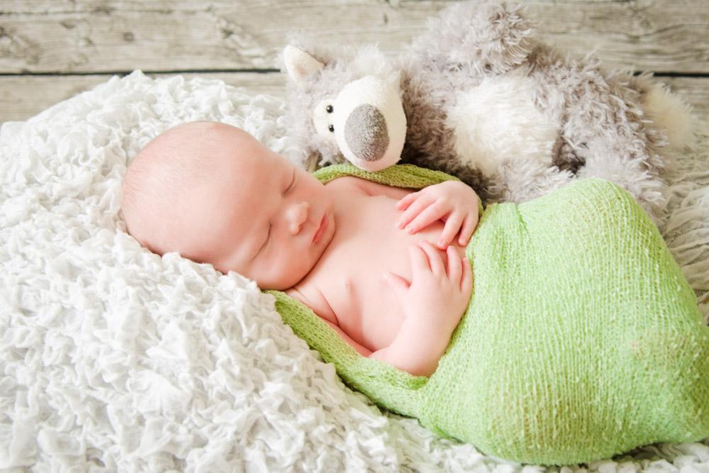 Neugeborenenshooting mit Dean