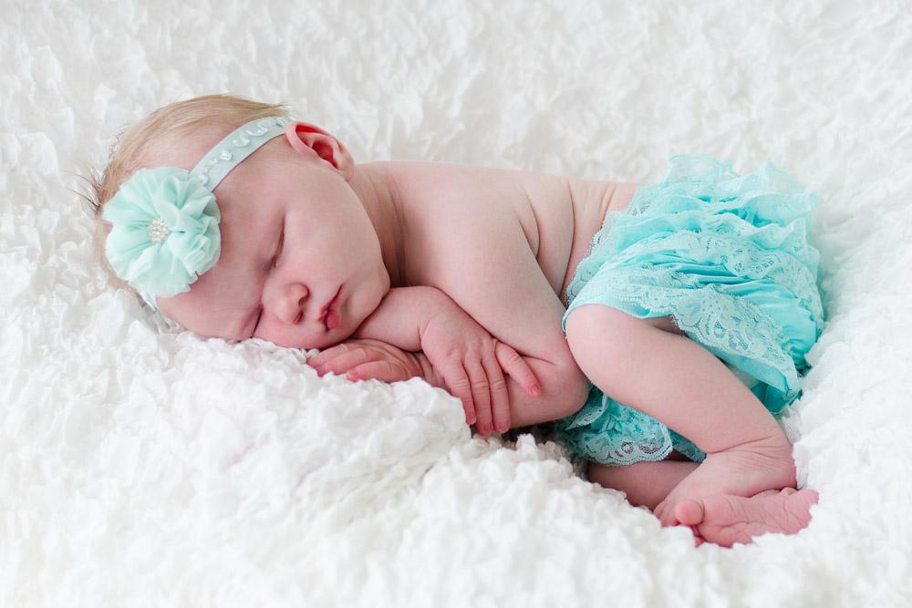 Neugeborenenshooting mit Lia