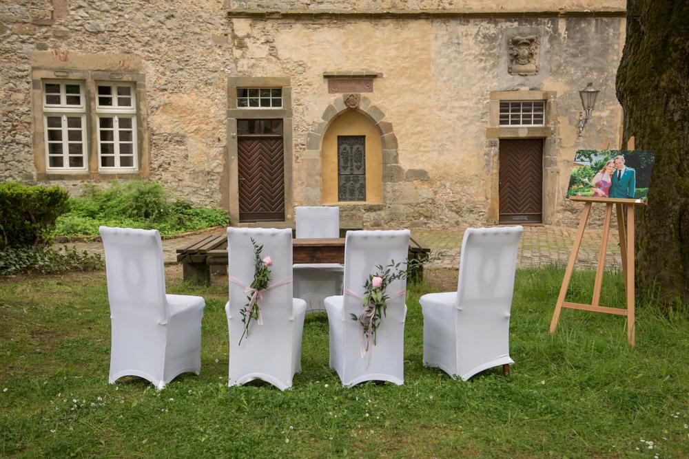 Hochzeitsfotos-Paderborn-Hochzeitsfotograf-Burg-Dringenberg-freie-Trauung-Hochzeitsfotos