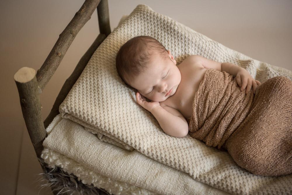 Neugeborenenshooting-Babyshooting-Fotograf-Paderborn-Bielefeld-Guetersloh-Homeshooting