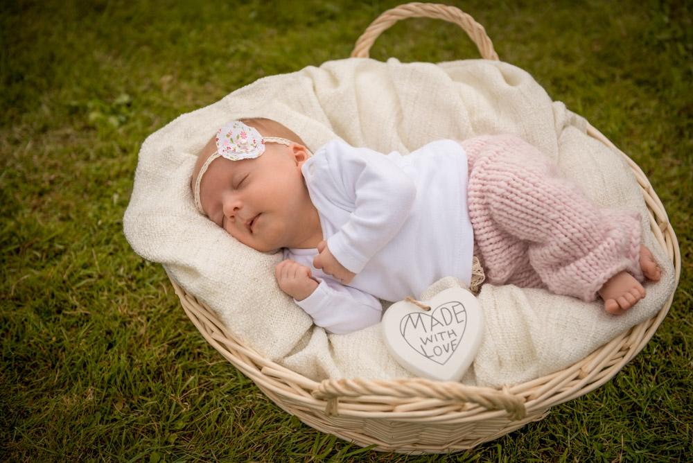 familienshooting-detmold-fotograf-paderborn-kinderfotos-portraits-familie-zu-hause