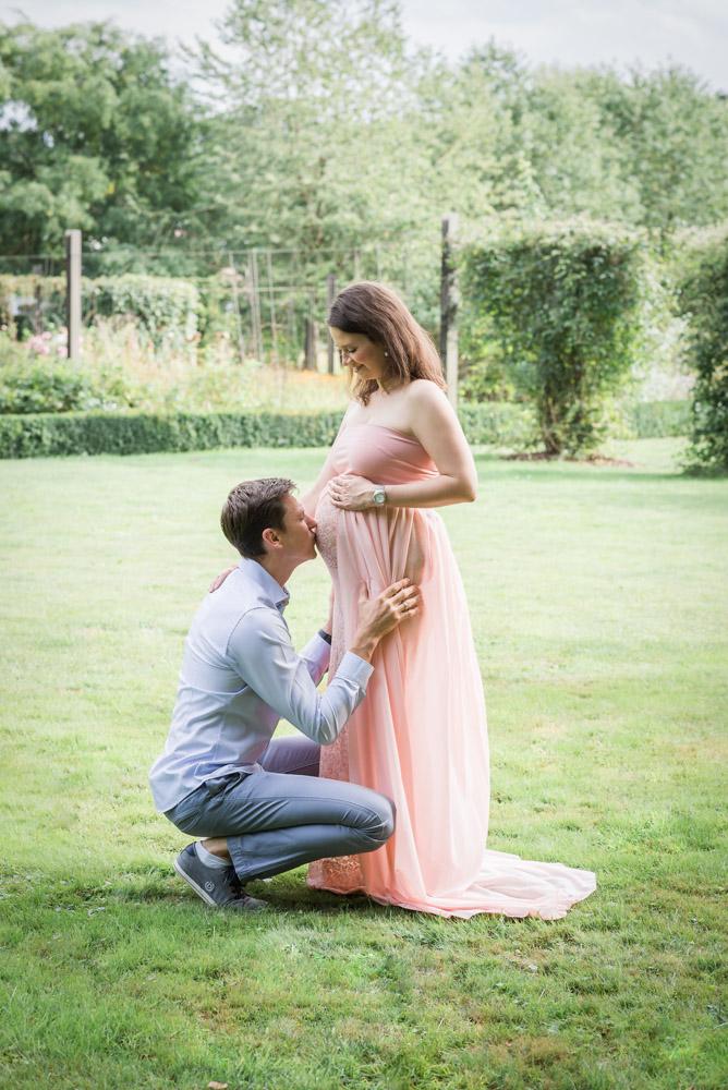 babybauchshooting-belly-kleider-fotograf-guetersloh-paderborn-schwangerschaft