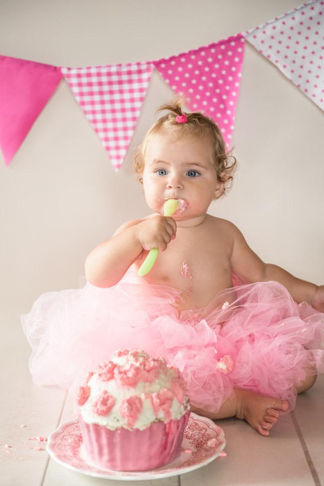 cake-smash-shooting-erster-geburtstag-fotograf-guetersloh-tortenshooting