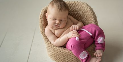 Neugeborenenshooting mit Lea