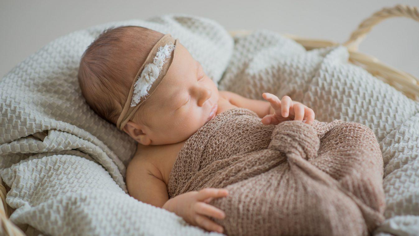 Neugeborenenshooting mit Jana