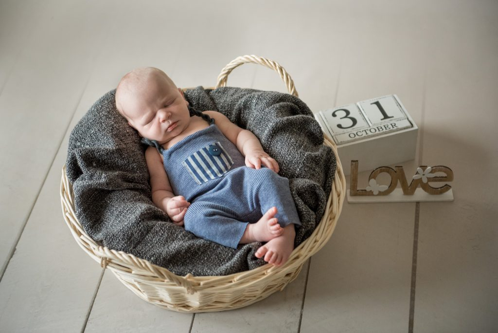 Neugeborenenshooting-Babyshooting-Fotograf-Paderborn-Homeshooting