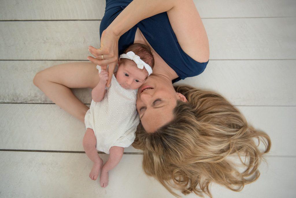 Neugeborenenshooting-Babyshooting-Babyfotos-Paderborn-FotografPaderborn-NadineKollakowskiFotografie-zuHause