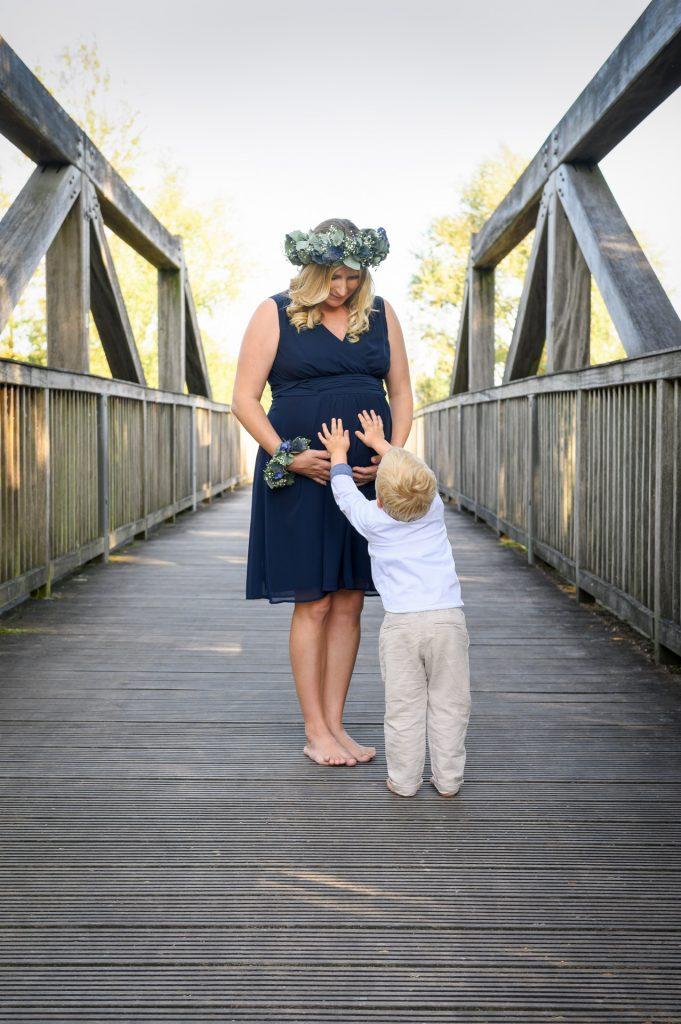 Babybauchshooting_FotografPaderborn-FotografBielefeld-BabybauchshootingPaderborn-NadineKollakowskiFotografie