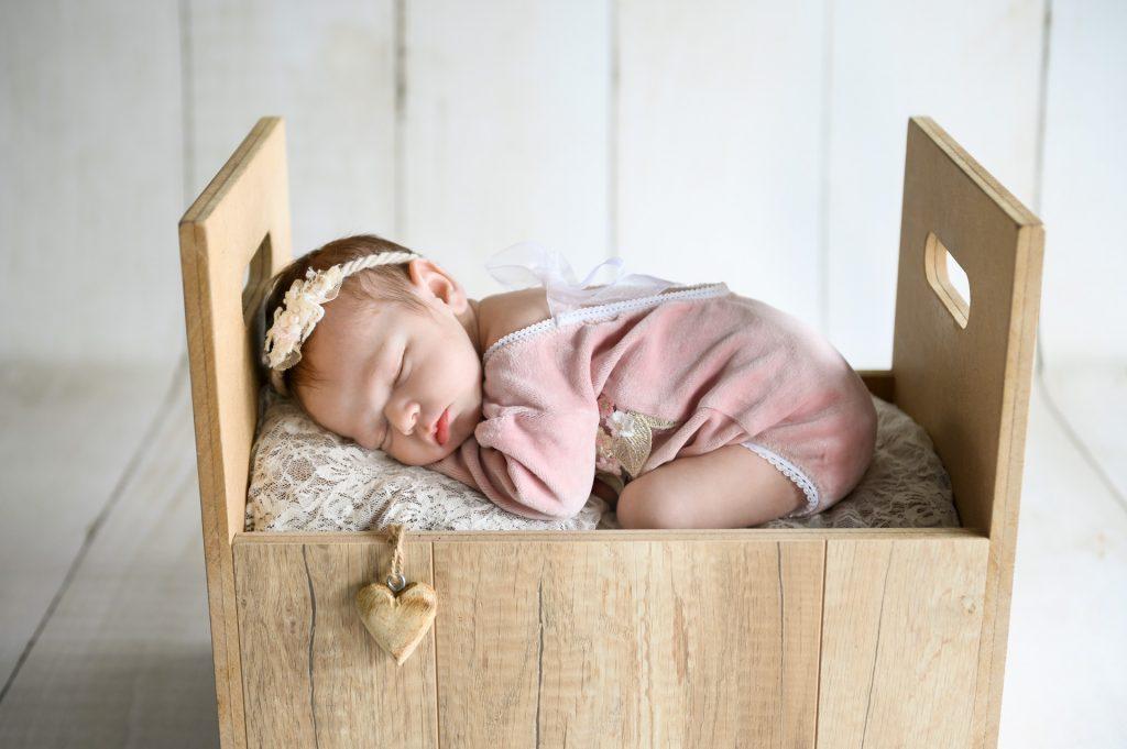 Amelie_BabyshootingPaderborn-BabyfotografBielefeld-BabyfotograffPaderborn-FotografPaderborn-BabyshootingzuHause-NadineKollakowskiFotografie