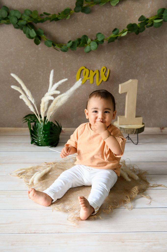 Santiago_CakeSmashShootingPaderborn-BabyfotografGuetersloh-BabyfotografPaderborn-FotografPaderborn-ShootingzuHause-NadineKollakowskiFotografie